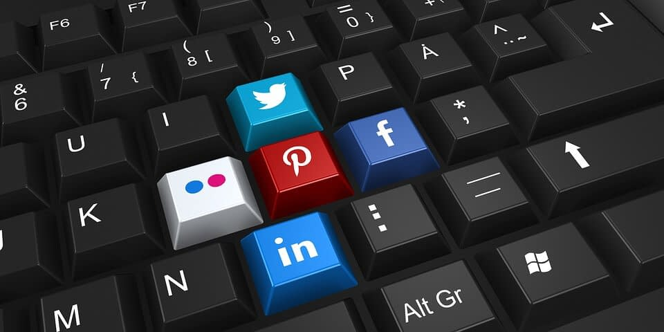 Use Social Media-How to Promote your WordPress Website Offsite?